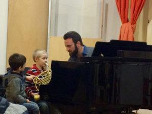 Noah's horn lesson